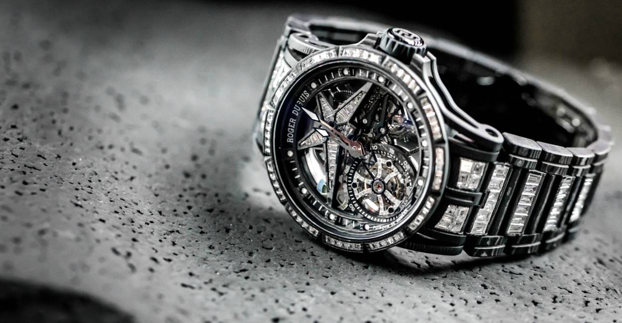 Roger Dubuis Excalibur Spider Ultimate Carbon cover - Roger Dubuis Excalibur Spider Ultimate 碳纤维腕表的震撼技艺