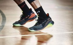 Stephen Curry under armour curry 6 on games 240x150 - 篮球场战鞋 UA Curry 6 极速冲刺