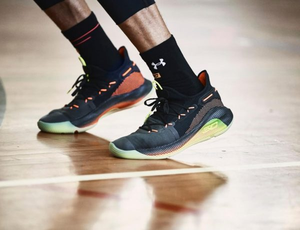 Stephen Curry under armour curry 6 on games 600x460 - 篮球场战鞋 UA Curry 6 极速冲刺