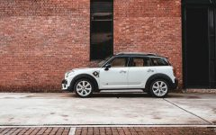 MINI Countryman Hybrid Plug in Cover 240x150 - 激动人心的驾驶历程:全新插电式 MINI Countryman