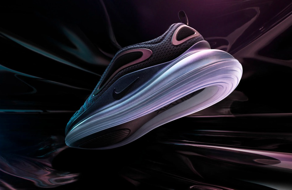 Nike Air Max 720 mood shot - Air Max 气垫巅峰之作:NIKE AIR MAX 720