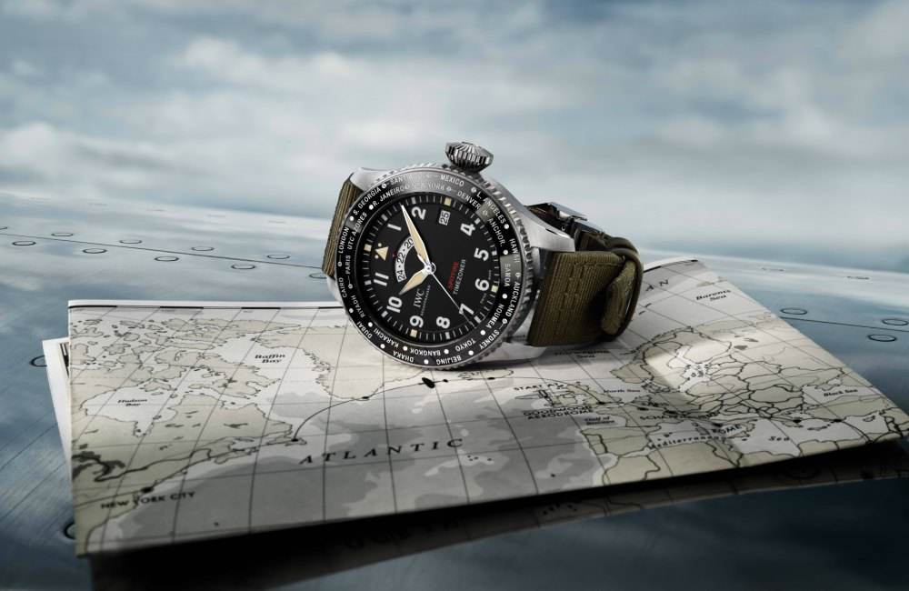 Fathers Day Gift Guide IWC Pilots Watch Timezoner Spitfire The Longest Flight - KINGSSLEEVE Father's Day Gift Guide:送礼指南