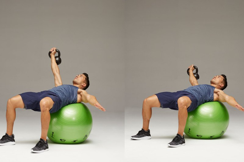 Single Arm Chest Fly - Stability Ball Workout 改善弱点、加强平衡