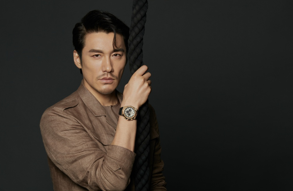 CORUM Global Brand Ambassador Mr. Hu Bing Moodshot - 尽善尽美的绅士风格:胡兵续任 CORUM 品牌代言人
