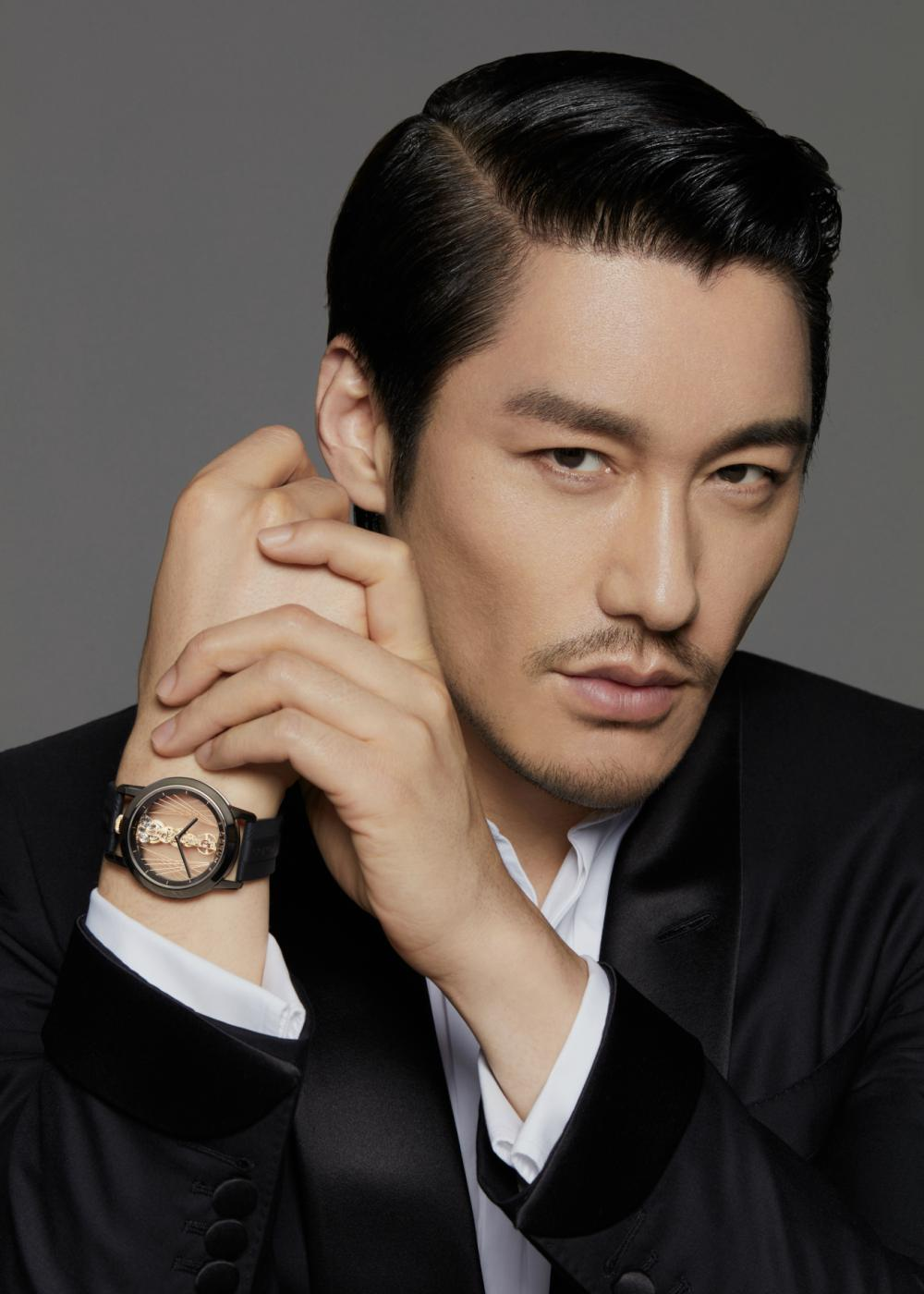 CORUM Global Brand Ambassador Mr. Hu Bing moodshot 2 - 尽善尽美的绅士风格:胡兵续任 CORUM 品牌代言人