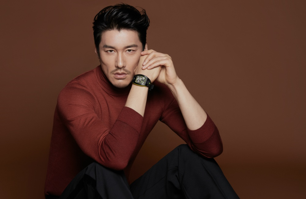 CORUM Global Brand Ambassador Mr. Hu Bing moodshot 5 - 尽善尽美的绅士风格:胡兵续任 CORUM 品牌代言人