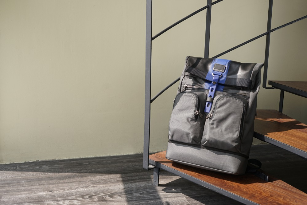 TUMI London roll top backpack - K's Style: 5款高分男士后背包