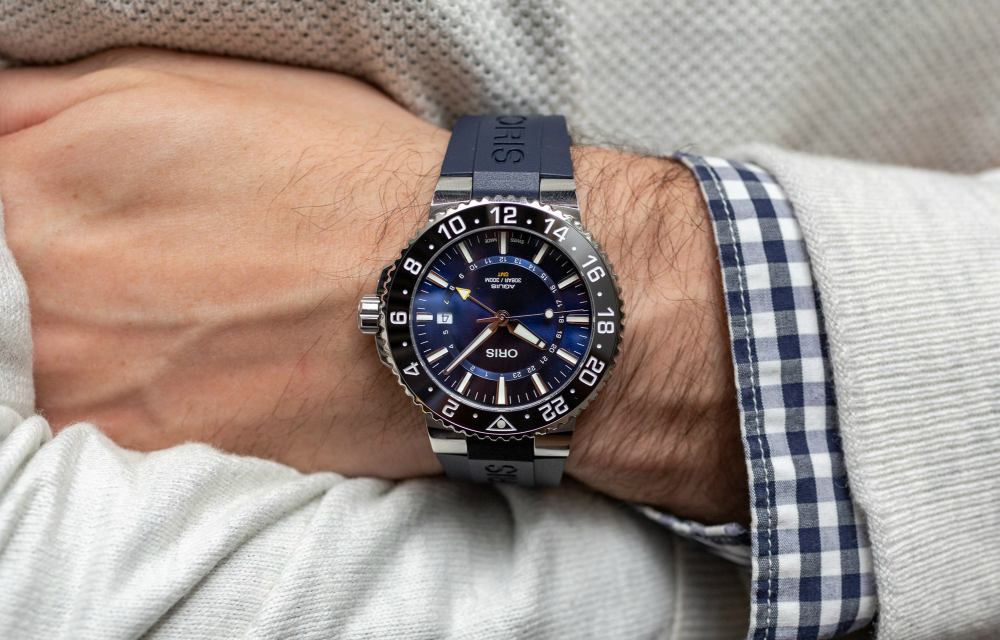 Travel Issue GMT Watches Oris Aquis Date GMT On Wrist - [编辑试戴]:ORIS AQUIS DATE GMT 双时区潜水表