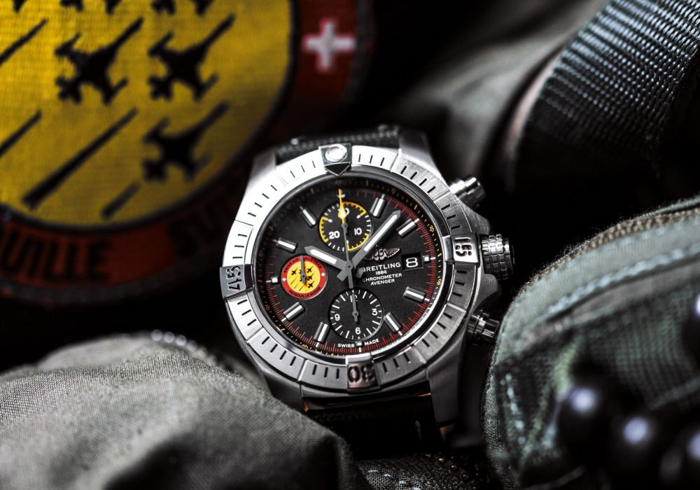 01 avenger swiss air force team limited edition - 航空腕表王者驾临:Breitling Avenger Collection