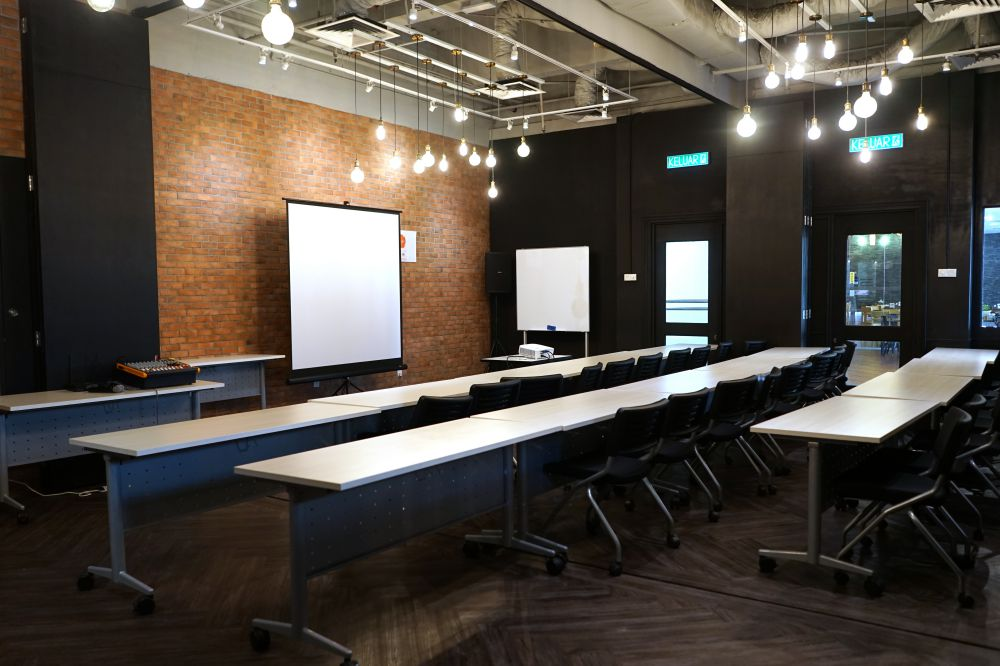 confrence room NEST co working space the curve - Co-Working 新概念 NEST 提供多样美食!