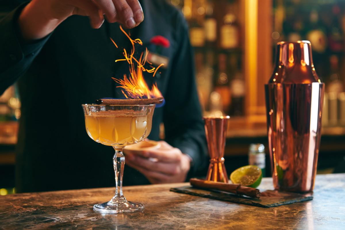 cocktails - 情人节光共餐怎么行?满分男友必备的约会大全