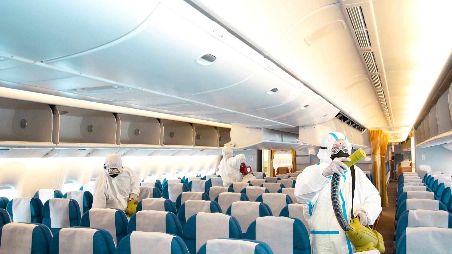 Sanitizing plane covid19 - 疫情期间搭飞机如何注意卫生、保护自己?