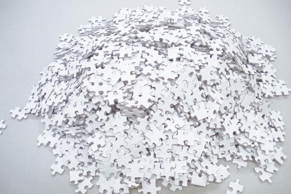 white puzzle2 - 让人抓狂的暗黑版拼图,你敢挑战吗?
