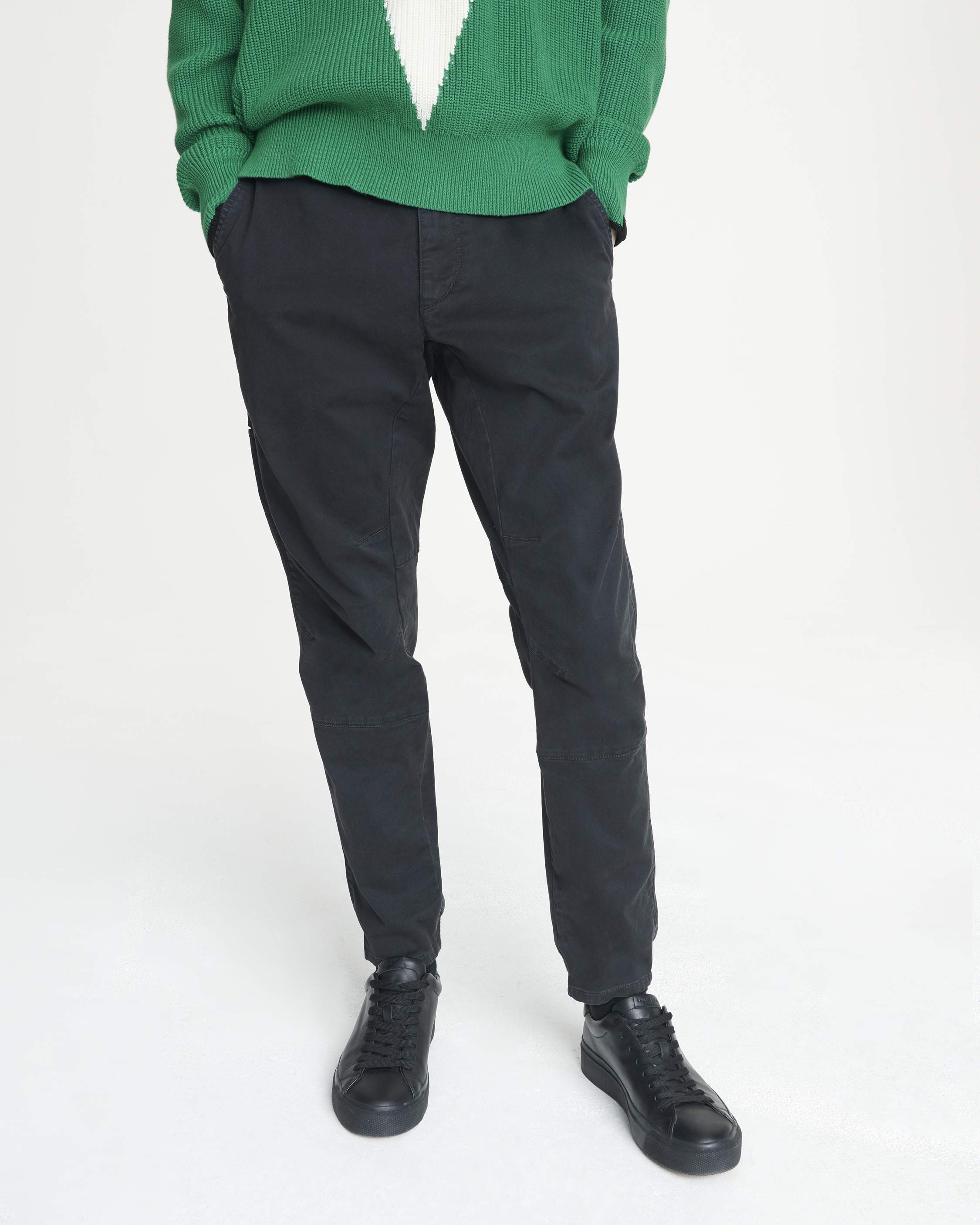 Rag Bone Articulated Chino Ryan Reynolds - 一件T-Shirt穿18年!Ryan Reynolds 最爱的时尚单品