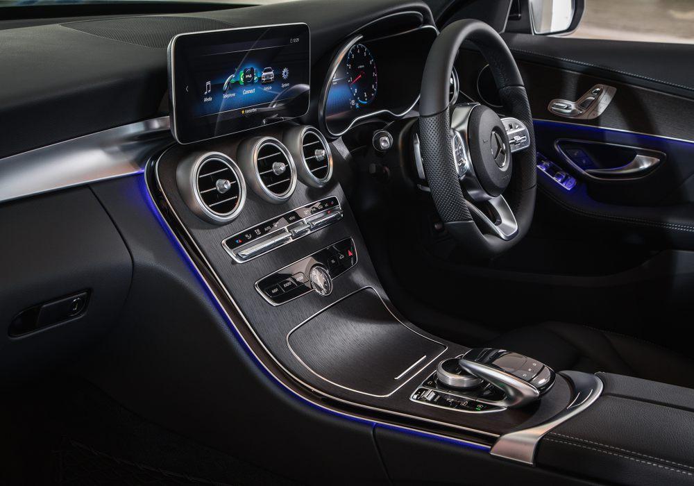 Mercedes Benz C200 AMG Line 007 - Mercedes-Benz 新人气王? C 200 AMG Line 小改款有亮点