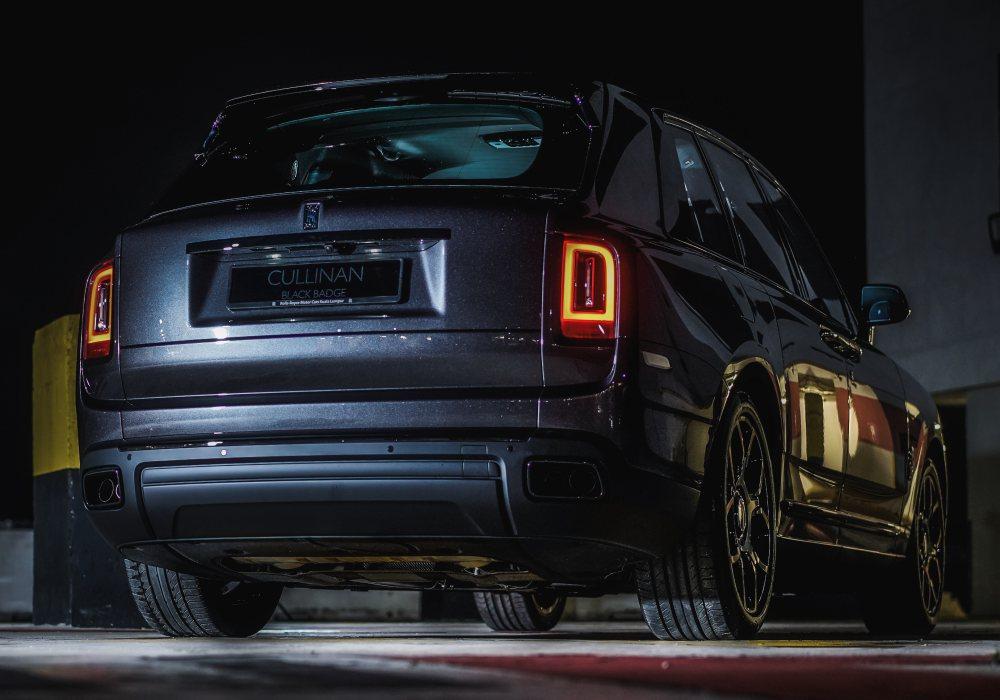 black badge cullinan 009 - Rolls-Royce Black Badge Cullinan 暗夜君王霸气登陆
