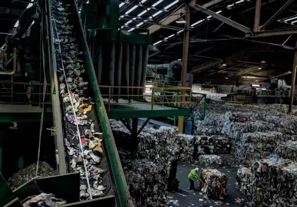 Planet or plastic 002 - 唤醒全球塑料废物危机意识: Planet or Plastic? 摄影展
