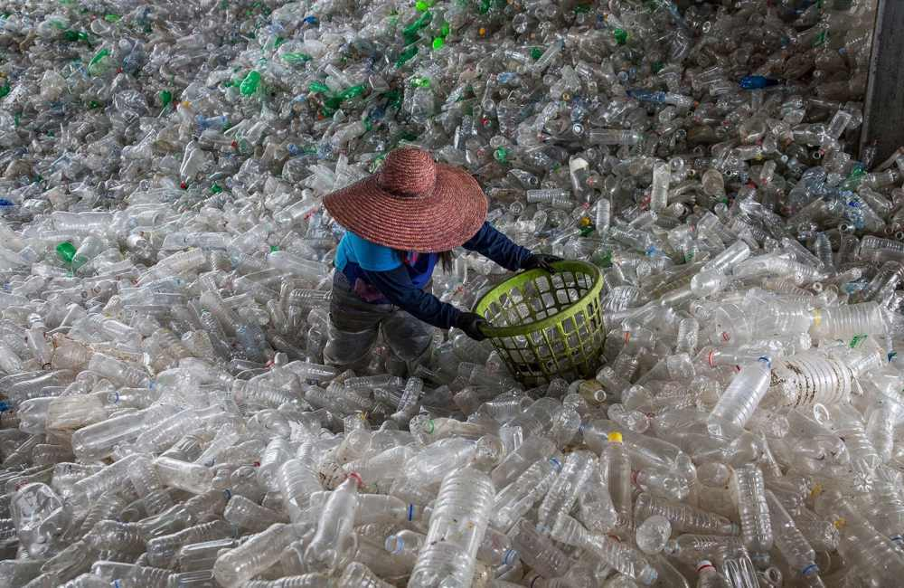Planet or plastic 004 - 唤醒全球塑料废物危机意识: Planet or Plastic? 摄影展