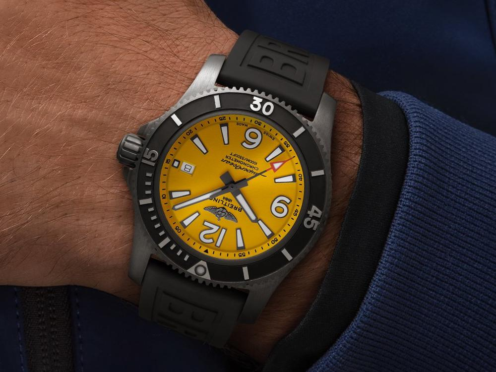 find your watch with 2021 chinese zodiac lucky colors breitling superocean yellow - 跟着2021生肖幸运色赏表
