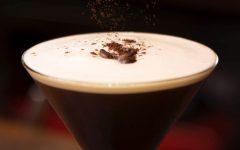 how to make an espresso martini 1 240x150 - 2步骤调制既是咖啡又是酒的 Espresso Martini