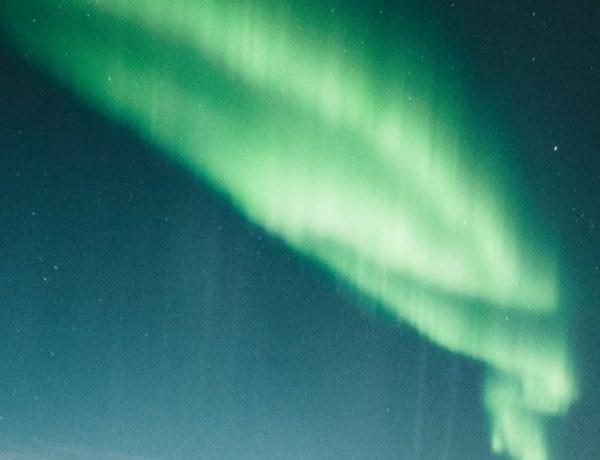 just a normal northern lights 600x460 - 带上你最爱的人到芬兰Rovaniemi看浪漫的北极光!