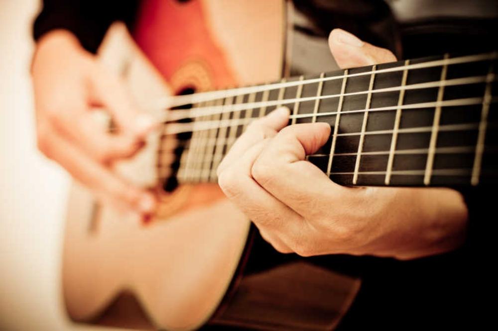 play the guitar - 我们应该如何面对与处理焦虑?